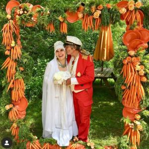 Фотозона из морковки