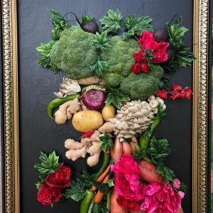 Овощной портрет на мольберте