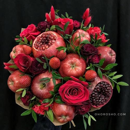 Букет Бархат 2.0 с розами и гранатами