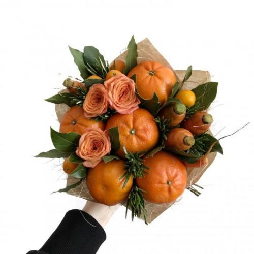 букет с морковью и апельсинами