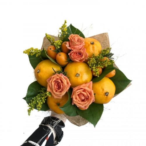 букет с мандаринами и кумкватами